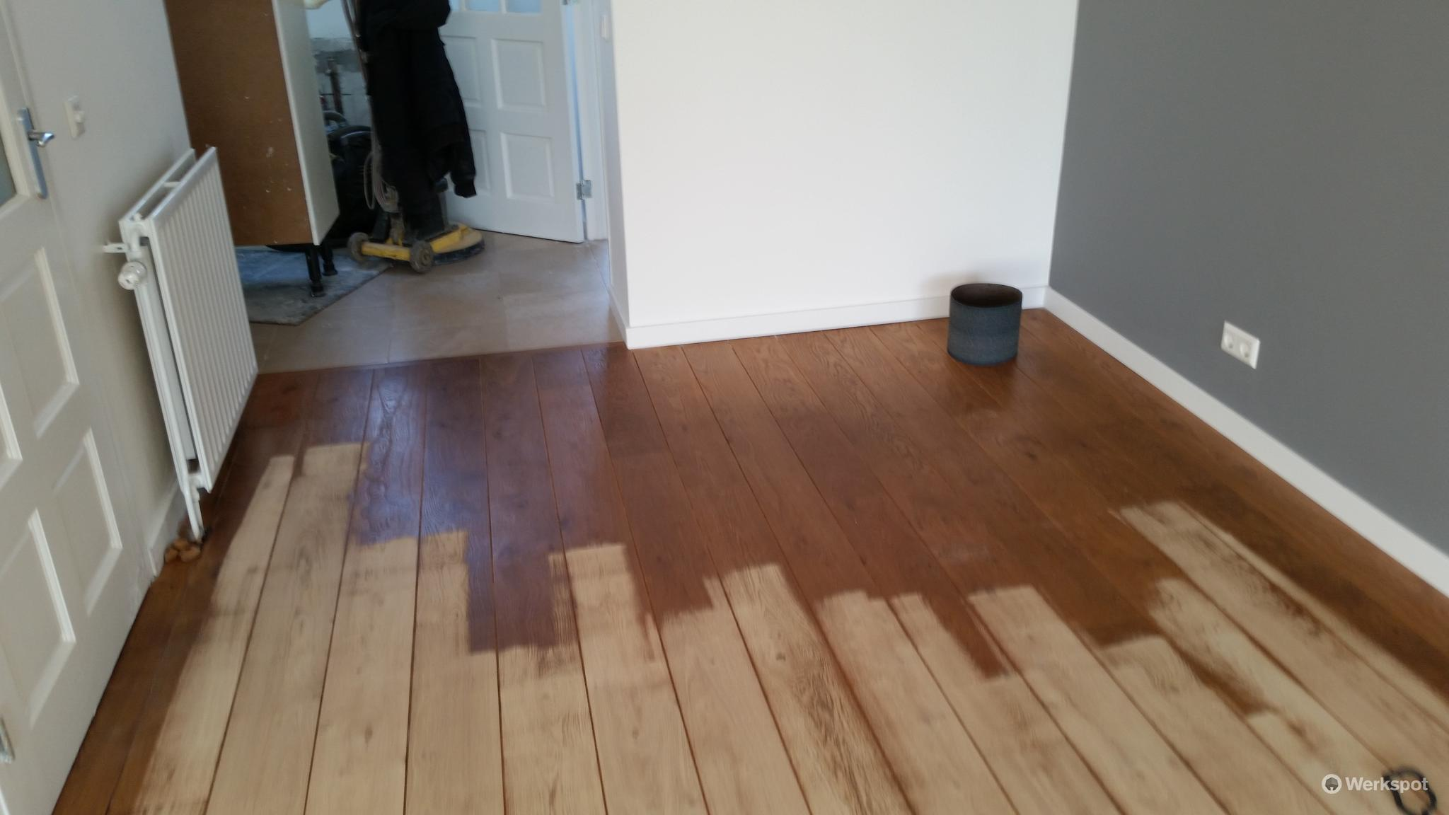 7 DIY Steps for Painting Timber Flooring