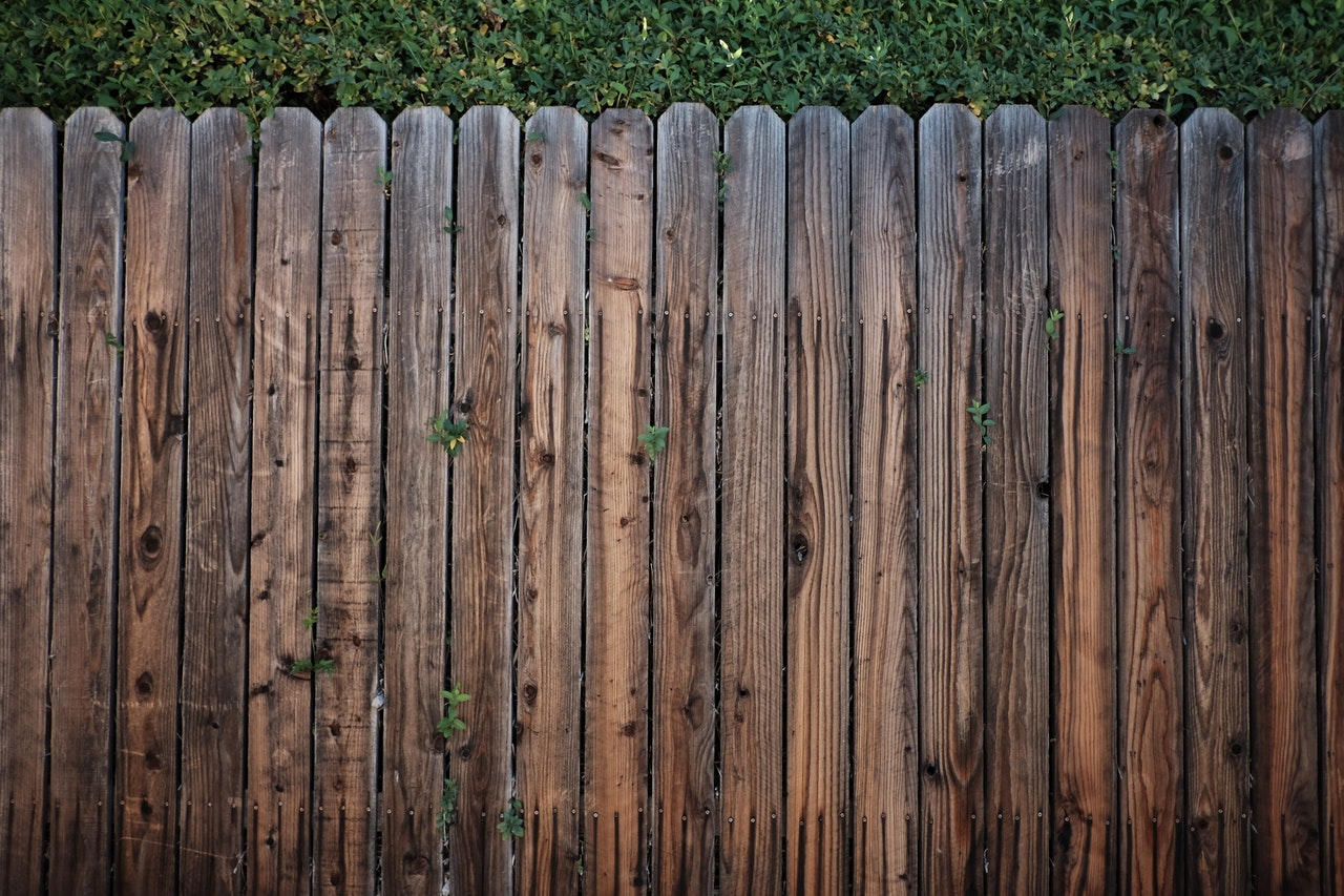 Popular Fencing Options for Decks