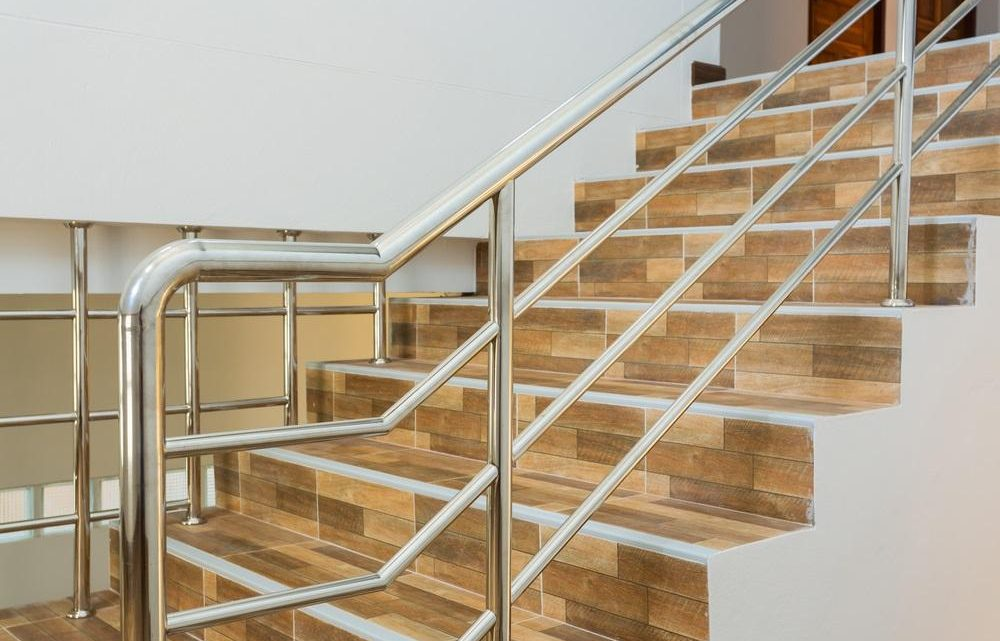 WHY I LOVE THE LOOK OF STAINLESS STEEL BALUSTRADES